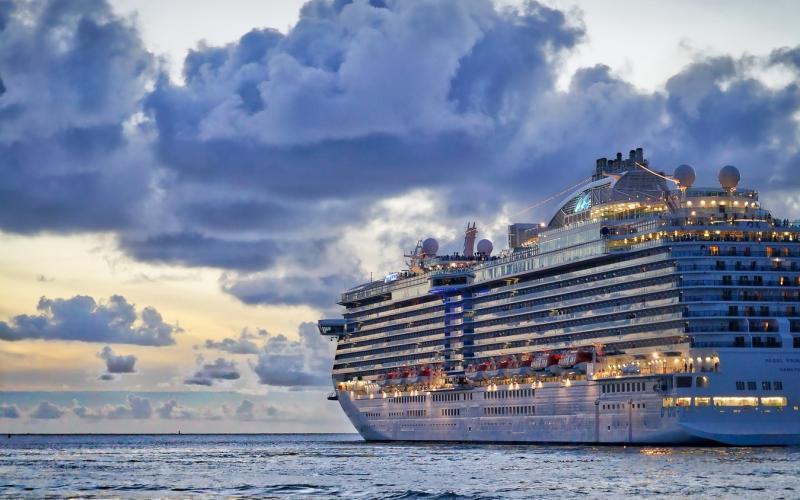 Kryssningsfartyg: Arbeta på kryssning